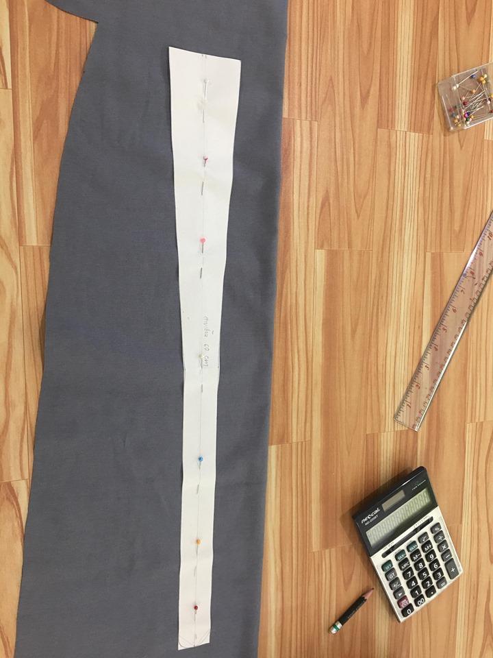 วาดแพทเทริ์ขชิ้นสายเอี๊ยมยาวอย่างน้อย 60 cm
